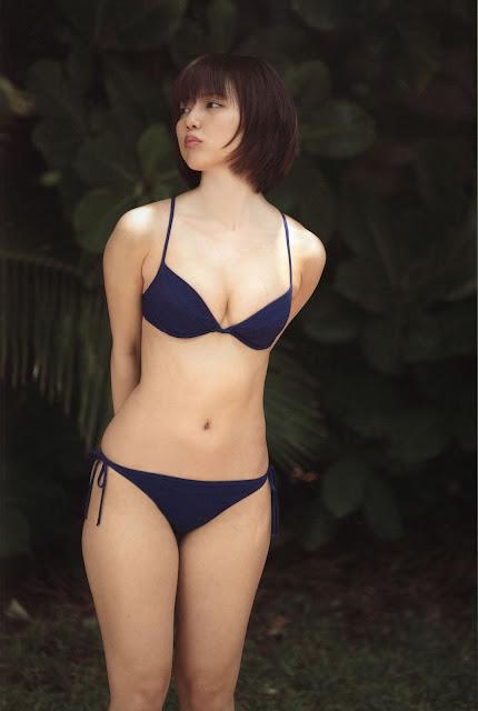 Erina Mano 真野恵里菜 Photos 02