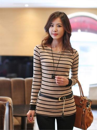 Model Baju Kaos Wanita Terbaru