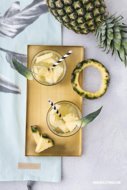 Pina Colada Eistee mit Ananas und Kokos