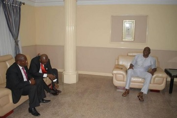 Zenith Bank Management Team Begs, Visits Fayose In Solidarity, See Photos