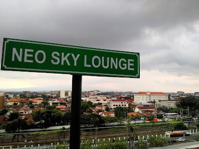 NEO SKY LOUNGE HOTEL MALIOBORO