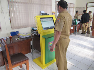 Stand Layar Monitor - Furniture Kantor Semarang