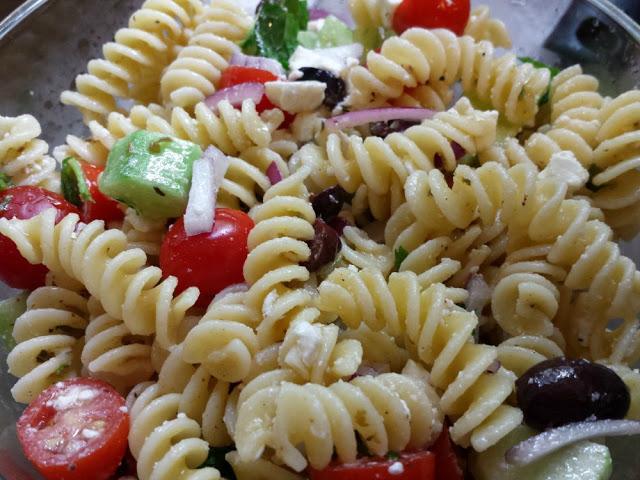 Easy No Mayo Pasta Salad Recipe For A Crowd Recipes Hines