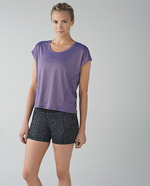 lululemon-sweaty-or-not crop-top iris-flower