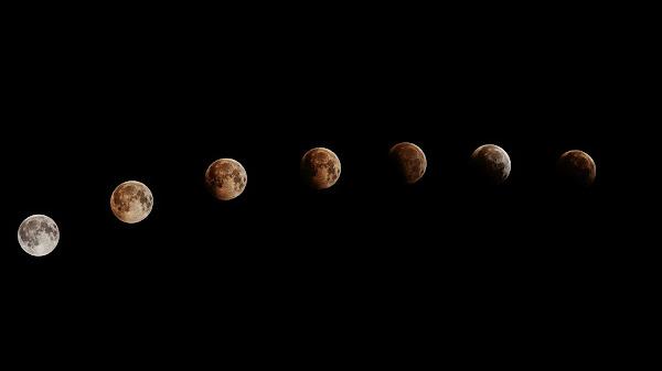 Một chuỗi hình ảnh khác của Mặt Trăng khi dần bị Trái Đất che khuất ánh sáng. Hình ảnh: Thien Van Hua.