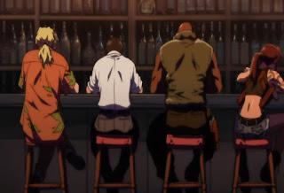 Revy (pierwsza z prawej) w barze z towarzyszami broni / ang. Revy in the bar