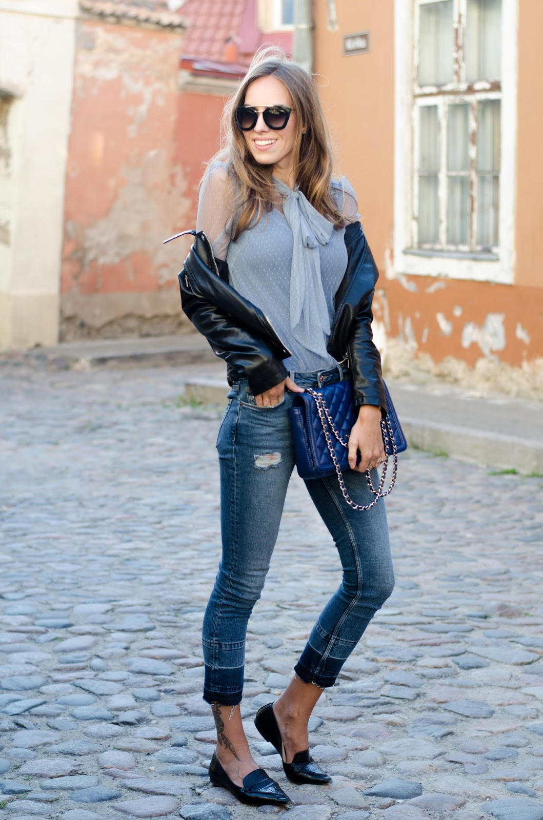 kristjaana mere blue bow blouse skinny jeans summer outfit