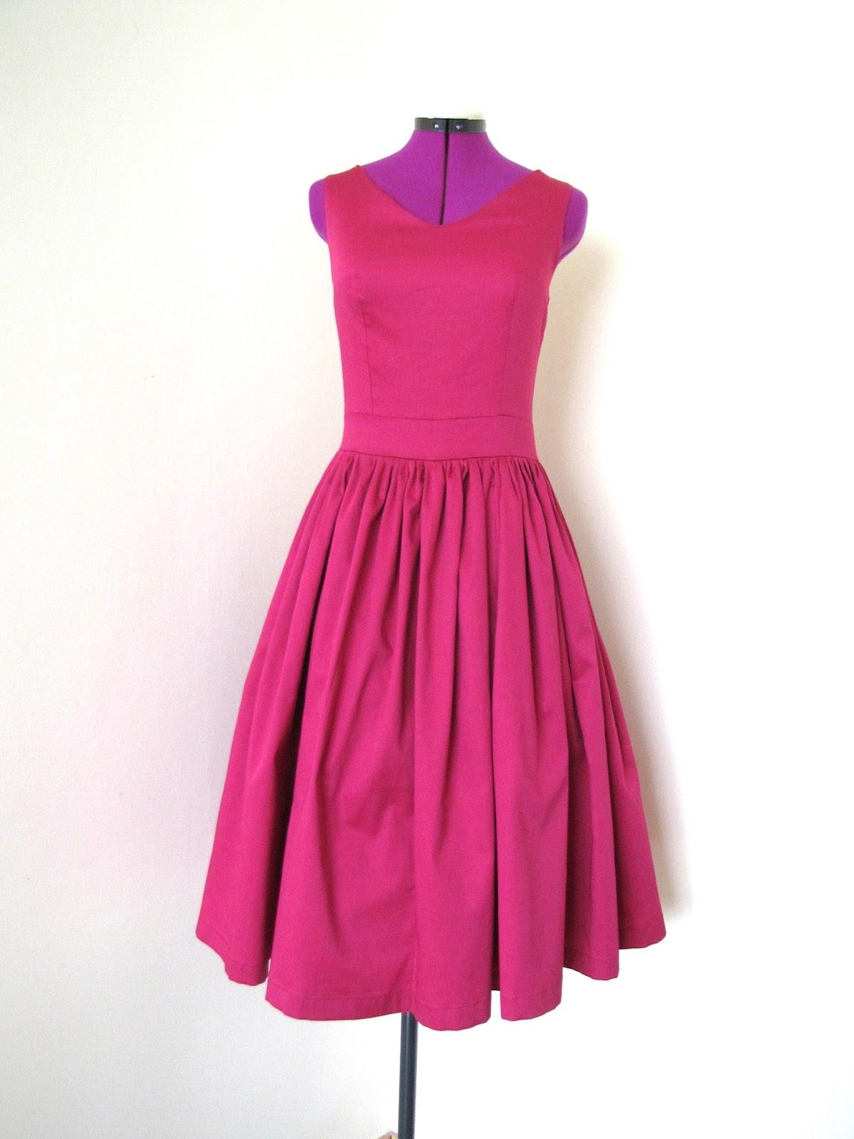 Amarantowa Sukienka W Stylu Retro Vintage Szycie Wieczne