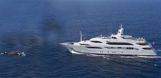 Kris Kind 2013, Schlauchboot versus yacht, Digital Preview