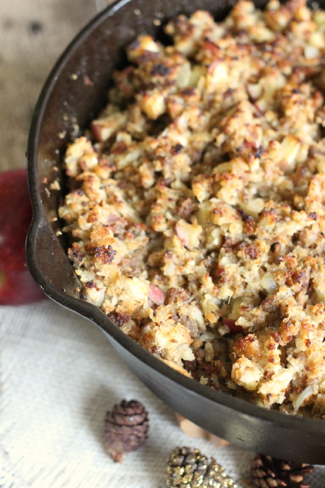 Apple and Onion Sausage Stuffing Recipe