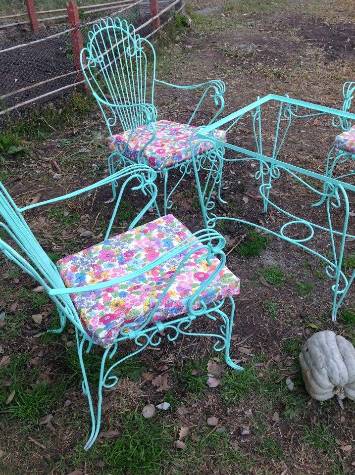 So Glittering: La silla de hierro forjado - photo#30