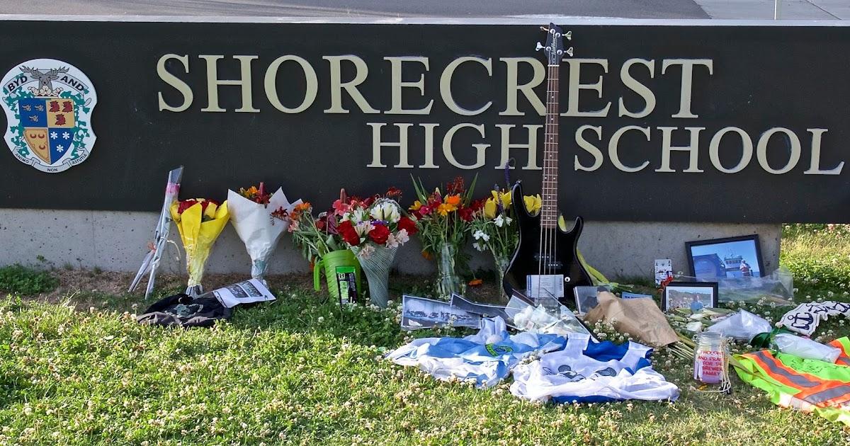 Shoreline Area News Impromptu Memorial For Spencer Brewer