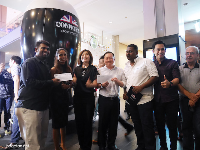 Winners of RM500 cash vouchers, all smiles at Connor's Stout Porter 'A Night Made Right' Launch @ Pavilion Kuala Lumpur