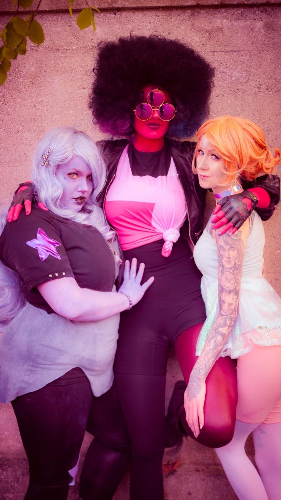 3 cosplayer e uma adimirrável bizarrice