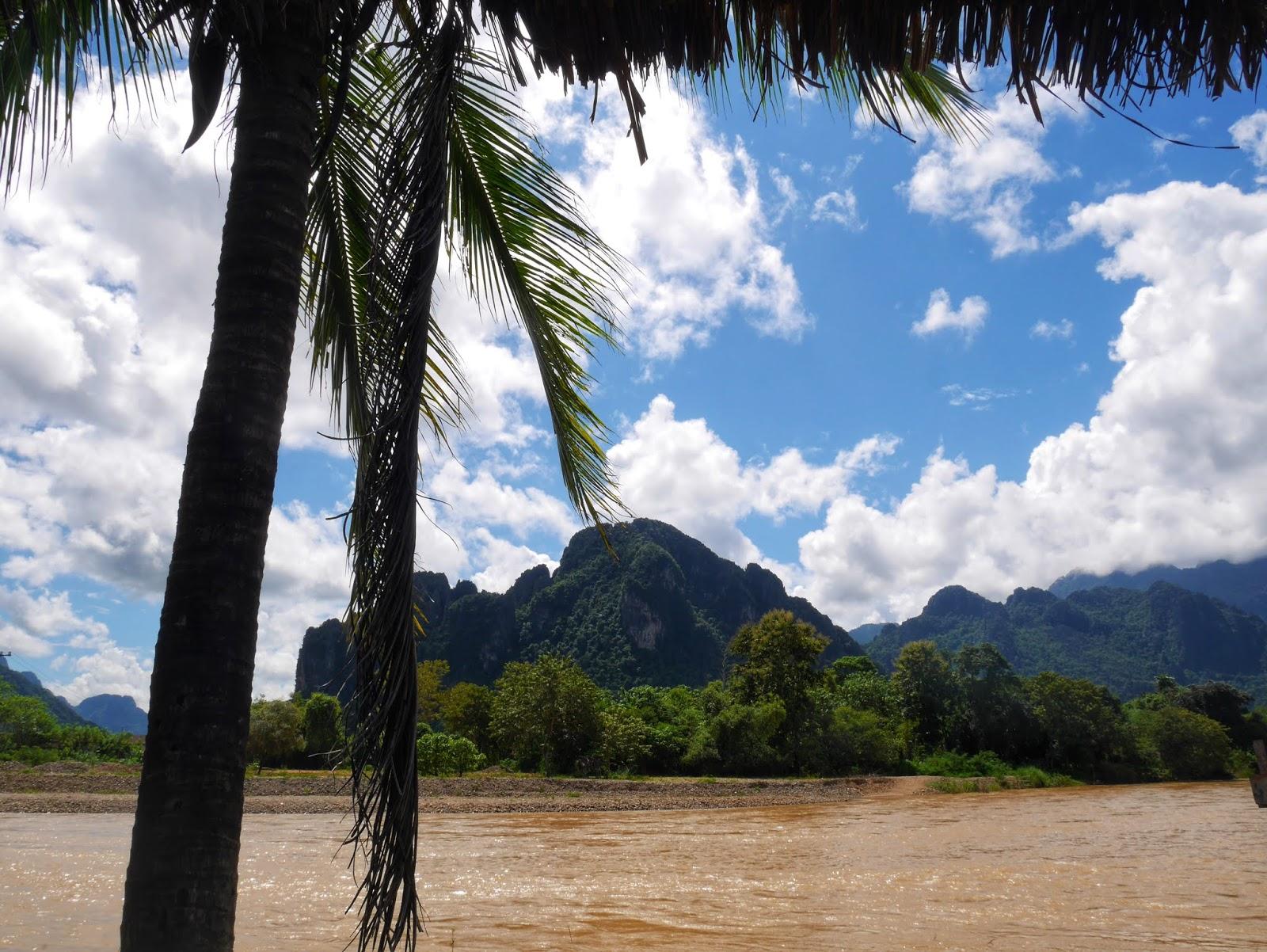 nam song river vang vieng laos
