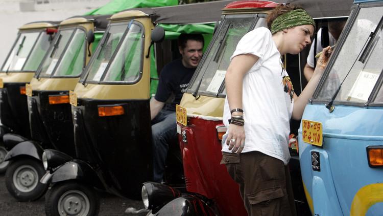 Alemán diseña una mototaxi que funciona sin combustible