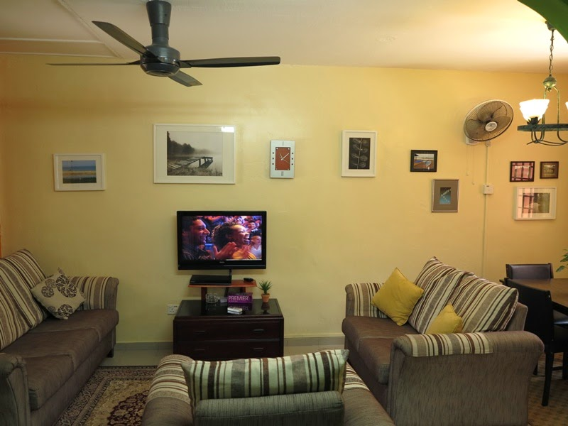 Photo 2: Living room - air-conditioned, ceiling fan