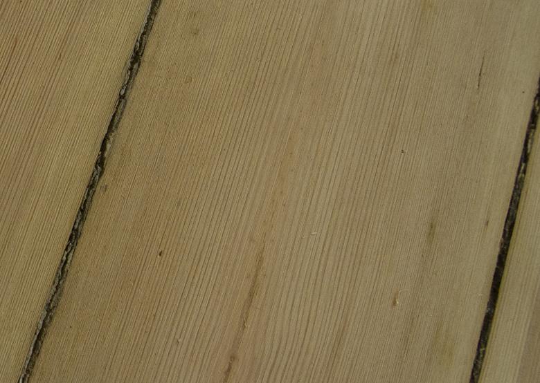 Odnawianie starej drewnianej podłogi sosnowej w kamienicy - krok po kroku. Podłoga sosnowa olejowana.