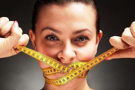 5 Bahaya Melakukan Diet Super Ketat, Wanita Wajib Tahu Nih!