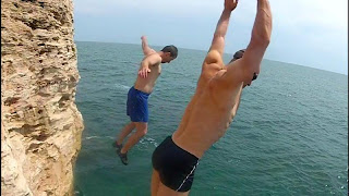 Cliff Jumping at Tyulenovo - Bulgaria