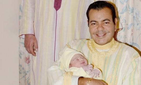 Mohammed VI préside le baptême du fils de Moulay Rachid.