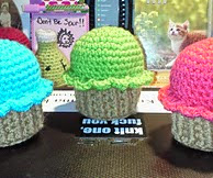 http://www.ravelry.com/patterns/library/cutie-cupcake