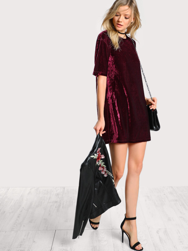 http://www.shein.com/Crushed-Velvet-Tee-Dress-p-380690-cat-1727.html?utm_source=treschicbypaulina&utm_medium=blogger&url_from=treschicbypaulina_gl