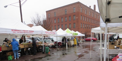 Farmers market in the rain