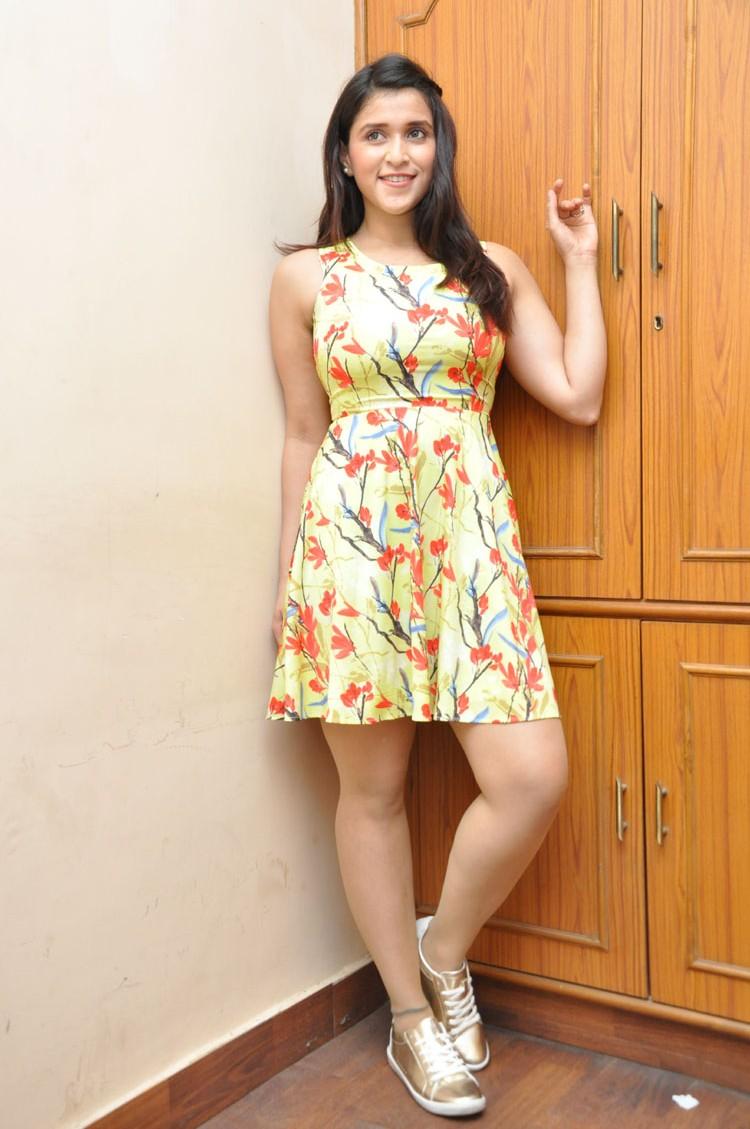 Jakkanna fame Mannara Chopra photos gallery-HQ-Photo-1