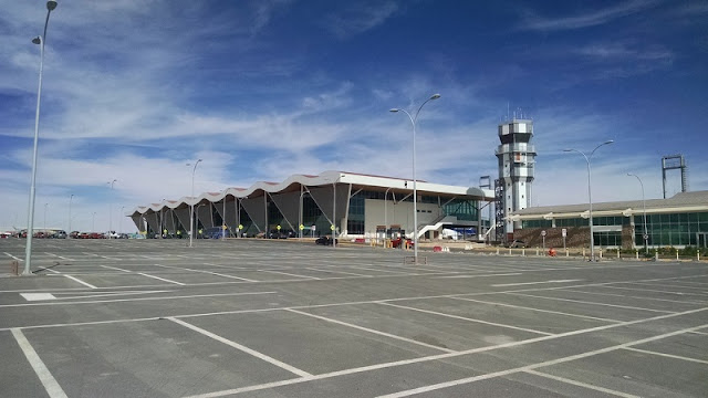 Estrutura e serviços no aeroporto de San Pedro de Atacam