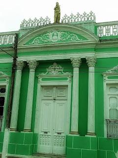 Casa em torno da Praça Alcides Marques, em Jaguarão.