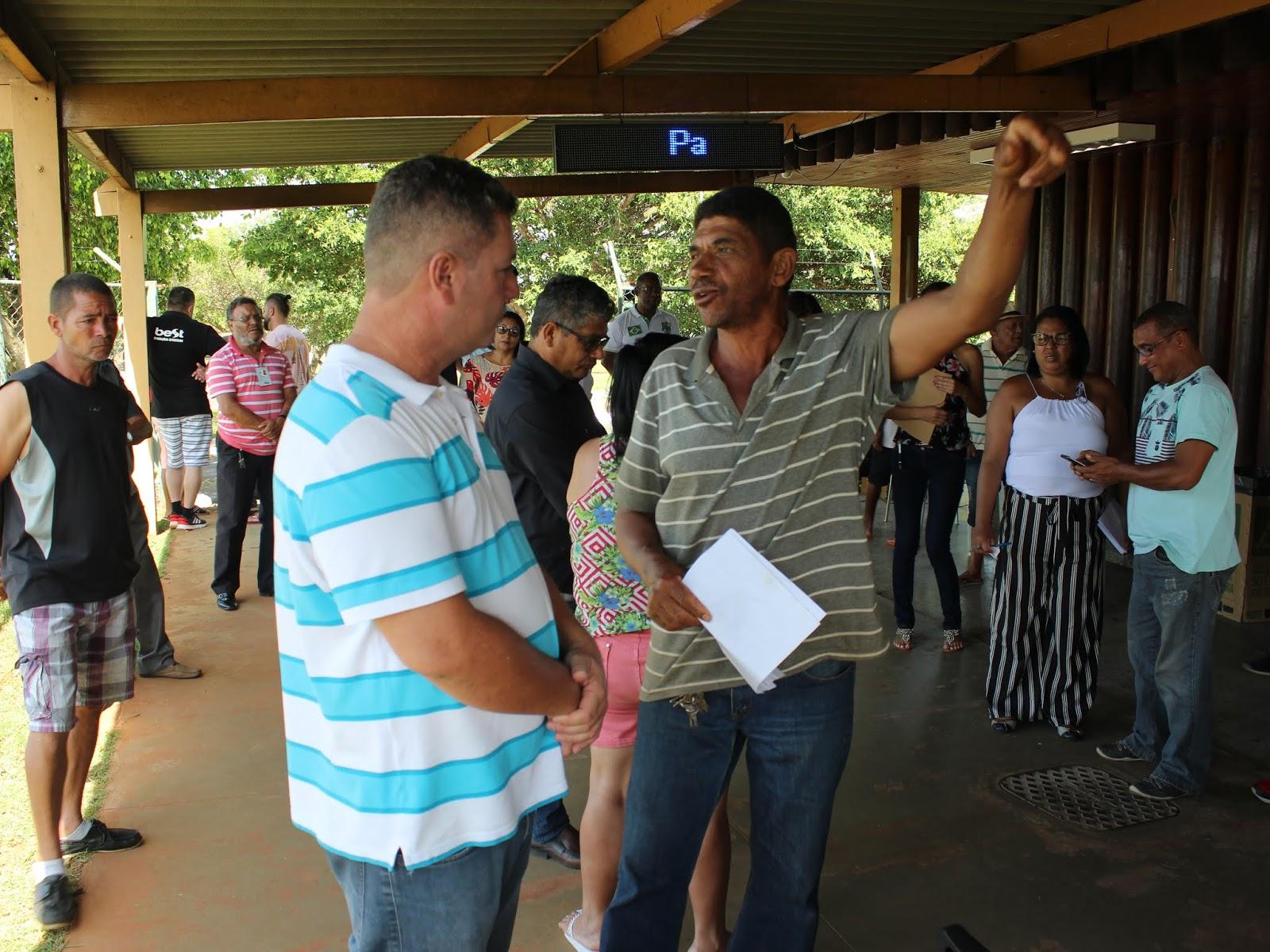 IMG 2816 - Novo administrador do Paranoá, Sergio Damasceno, começa seu primeiro dia de trabalho no Domingo ouvindo a comunidade local.