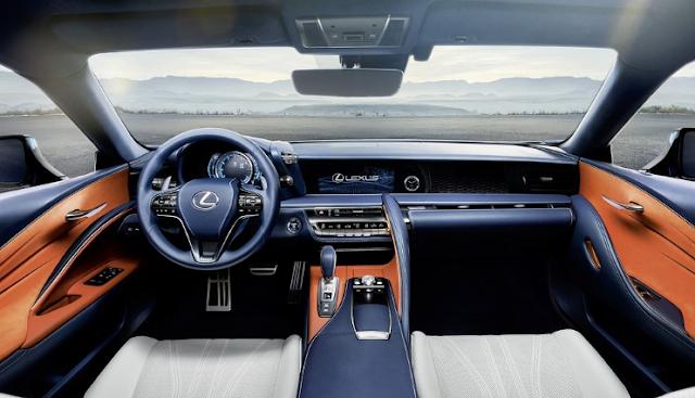 2017 Lexus 500h Interior