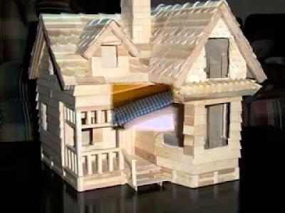 บ้านไม้ไอติมหลังคาจั่ว