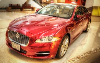 Wallpaper: In showroom: Jaguar XJ Car