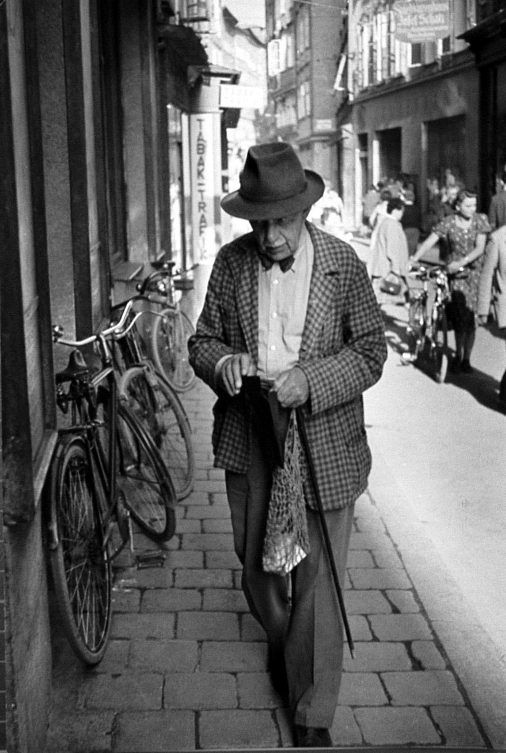 Фотографы: Henri Cartier-Bresson (Анри Картье-Брессон)