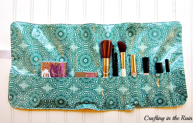 Makeup Organizer Pattern by Crafting in the Rain