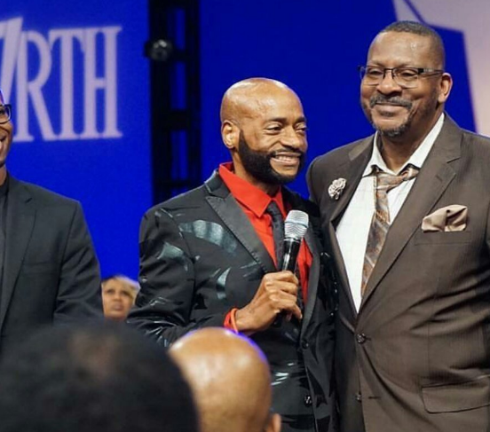 Bishop Eddie Long stuns congregation with his frail appearance