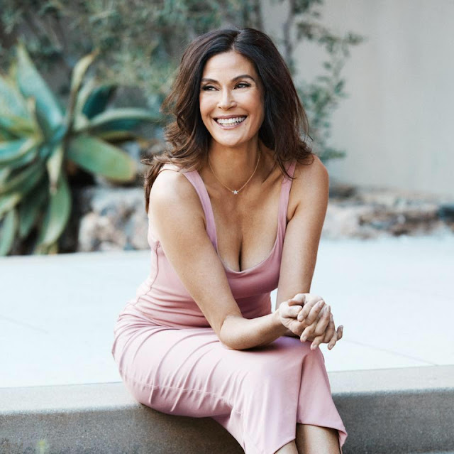 Teri Hatcher age, daughter, husband, dating, young, movies and tv shows, superman, hot, sexy, 2016, lois lane, today, actress, macgyver, now, desperate housewives, pics, photos, legs