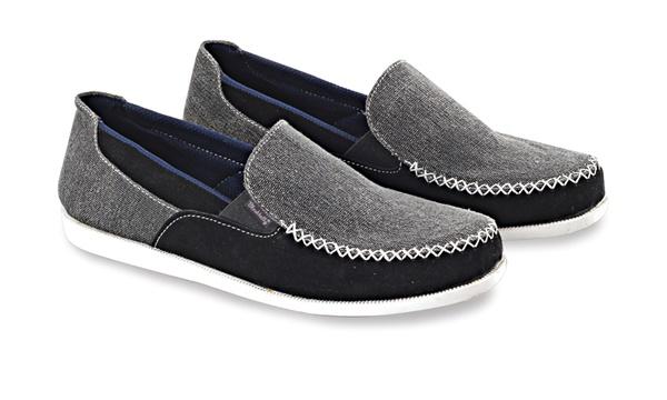 Sepatu Slip On Pria Blackkelly LDE 082
