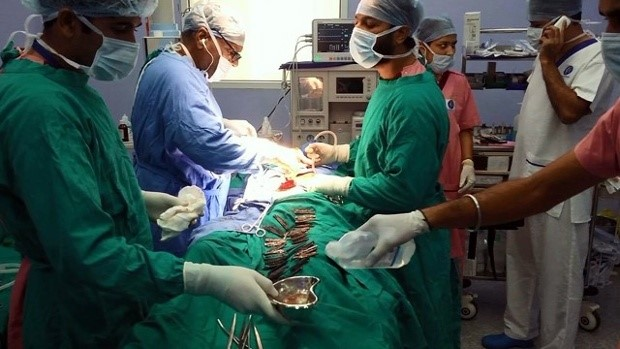 Weird: Doctors remove 40 knives from man's stomach