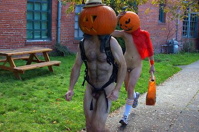 Resultado de imagen para halloween nudist