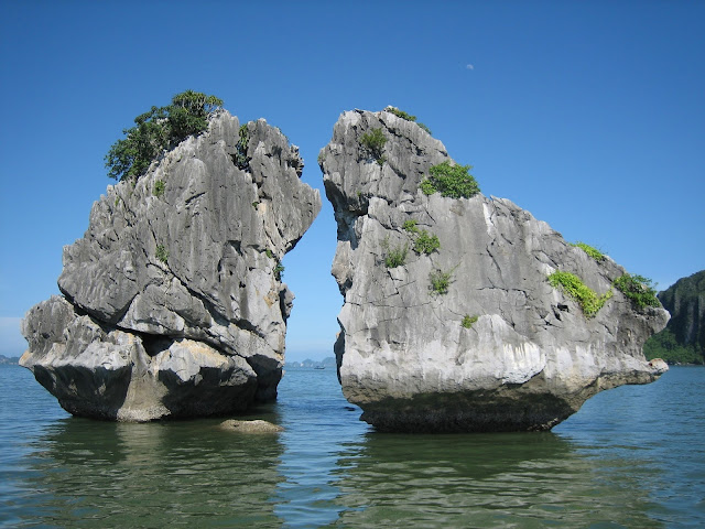 Halong Bay Majestic Between The Blue Ocean 1
