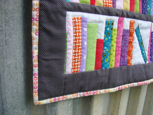 Bookends Mini bookshelf library quilt with library pocket and card label