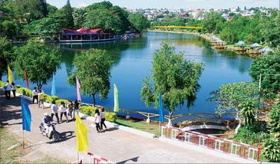 Hồ Đức an Pleiku- Biệt hồ chiều