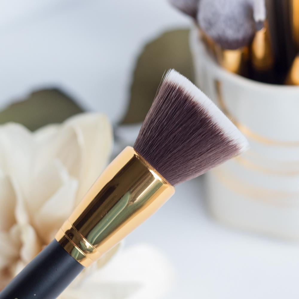 BH Cosmetics Sculpt & Blend 2 Flat Top Buffing Brush