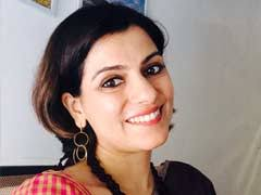 Nidhi Razdan Family Husband Son Daughter Father Mother Age Height Biography Profile Wedding Photos