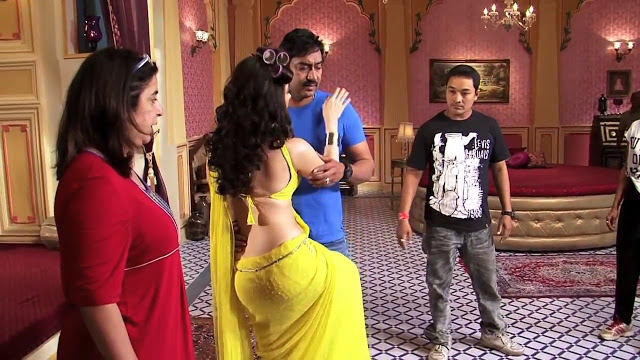 glorious Tamanna hot show at himmatwala