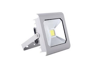 Đèn LED pha có giá trung bình như thế nào?