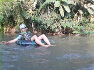 Surianto menjajal River Tubing Sumber Salam, Tajinan
